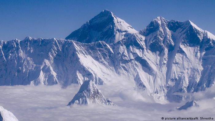 Mount Everest (picture alliance/dpa/N. Shrestha)