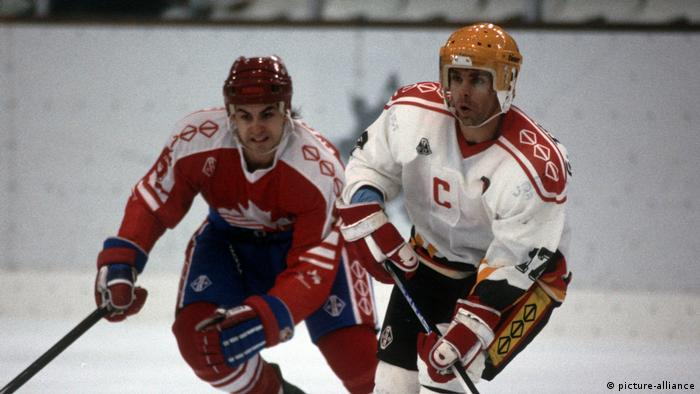 Eishockey Olympia Deutschland-Kanada in Albertville 1992 (picture-alliance)