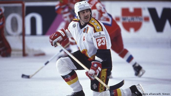 Deutschland Eishockey - Dieter Hegen (picture alliance/S. Simon)