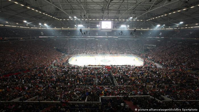 Eishockey-WM 2010 - USA - Deutschland 1:2 n.V. (picture-alliance/augenklick/firo Sportphoto)