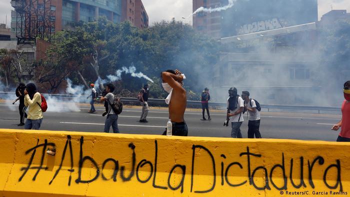 Venezuela Protesten gegen Präsident Nicolas Maduro in Caracas