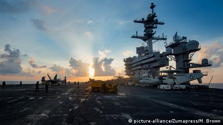USS Carl Vinson (picture-alliance/Zumapress/M. Brown)