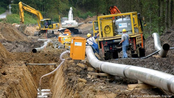 Deutschland Gas-Pipeline des Bayer-Konzerns (picture alliance/dpa/H. Ossinger )