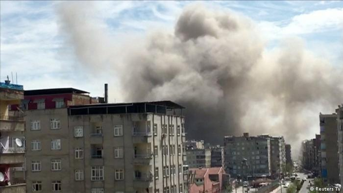 Türkei Explosion in Diyarbakir (Reuters TV)
