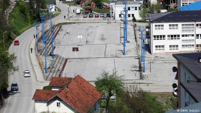 Serbien Srebrenica Spielplatz (DW/M. Sekulic)