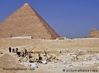 منذ بنائه قبل 4500 عاماً ما زال هرم خوفو يثير التساؤل والدهشة