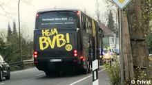Titel: BVB Bus after the explosion on 11.04.2017 Photographer/Copyright: Sascha P. via Samantha Early Caption: Eyewitness Sascha P. sent DW this photo of the BVB bus shortly after witnessing an explosion on 11.04.2017
