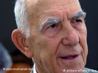 Stéphane Hessel - ein bewegtes Leben (Foto: dpa/2001)