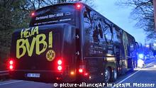 A window of Dortmund's team bus is damaged after an explosion before the Champions League quarterfinal soccer match between Borussia Dortmund and AS Monaco in Dortmund, western Germany, Tuesday, April 11, 2017. (AP Photo/Martin Meissner) |***Optimiert für mobile Angebote***