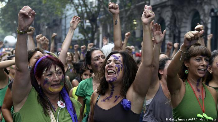 Argentinien Ni una menos Proteste Frauen (Getty Images/AFP/J. Mabromata)