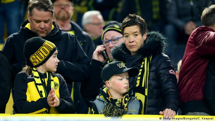 Dortmund - Explosionen an BVB-Bus -Stadion (Getty Images/Bongarts/C. Koepsel)