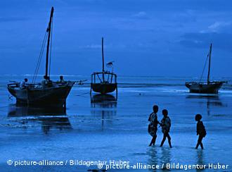 Ras Nungwi village is famous for wonderful beaches and for his shipyards, Insel Zanzibar, Tansania