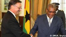 11.04.2017 Burkhard Ducoffre (links), der deutsche Botschafter in São Tomé und Príncipe, und Manuel Pinto da Costa, Präsident des Landes.