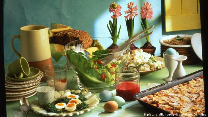 Deutschland Osterbrunch (picture-alliance/Springerpics/A. Deimling)