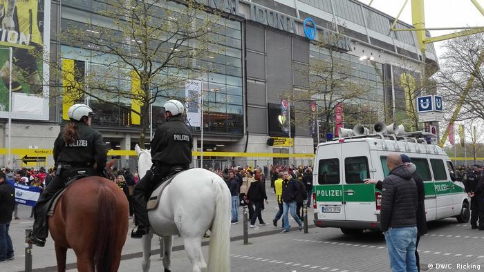 El islamista detenido bajo sospecha de haber perpetrado un atentado explosivo contra el Borussia Dortmund es un iraquí de 25 años, de Wuppertal, cercana a Dortmund. Un joven alemán es el otro sospechoso.12.04.2017