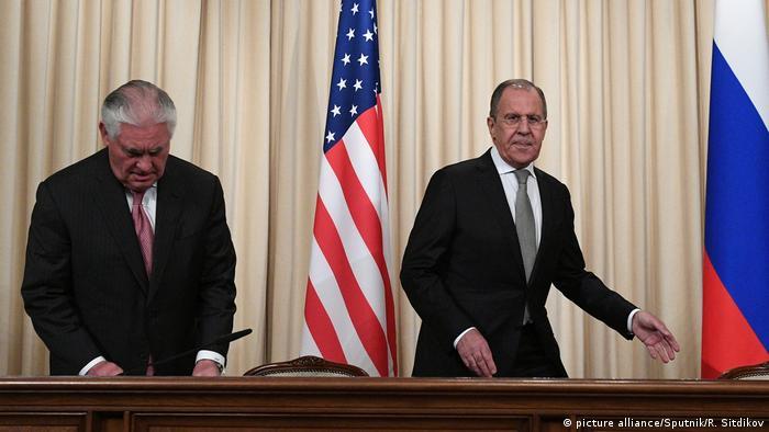 Russland Rex Tillerson und Sergey Lavrov