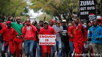 Südafrikaner fordern Präsident Zuma zum Rücktritt auf