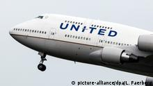 Fluggesellschaft United Airlines Boeing 747 (picture-alliance/dpa/L. Faerberg)
