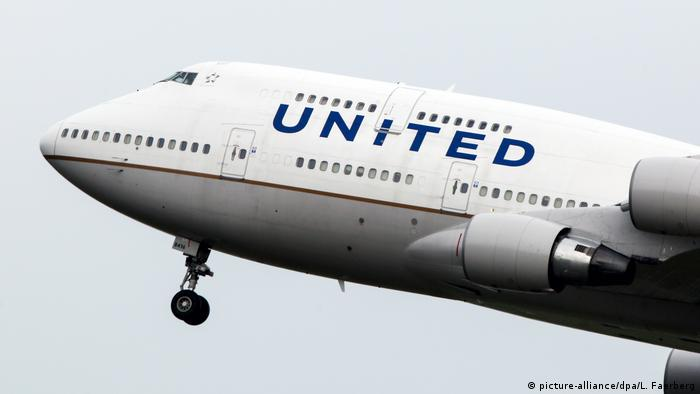 Fluggesellschaft United Airlines Boeing 747
