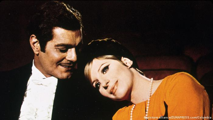 Omar Sharif and Barbra Streisand in Funny Girl (picture-alliance/ZUMAPRESS.com/Columbia)