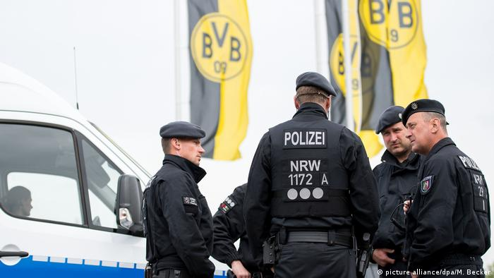 Dortmund - Nach Explosionen an BVB-Bus (picture alliance/dpa/M. Becker)