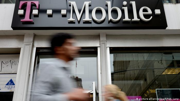USA Filiale von T-Mobile in New York (picture-alliance/dpa/EPA/J. Lane)
