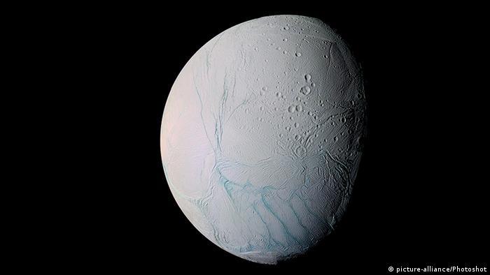 Saturnmond Enceladus (picture-alliance/Photoshot)