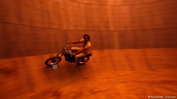 ICYMI Stuntman Nepal (Reuters/N. Chitrakar)