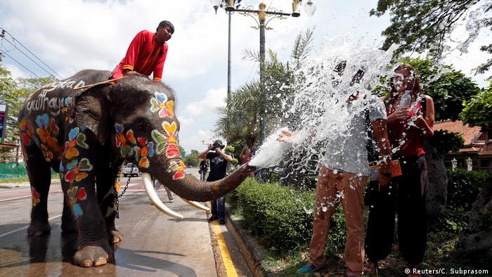 ICYMI Songkran Wasserfest in Thailand (Reuters/C. Subprasom)