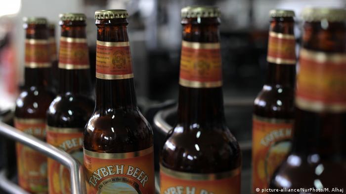 Garrafas da cerveja Taybeh, produzida em território palestino