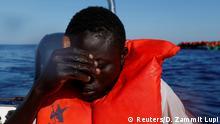 Ein vor wenigen Tagen aus dem Mittelmeer geretteter Flüchtling