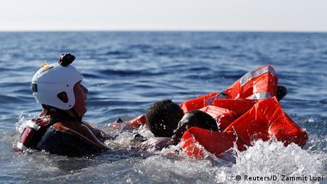 Біля берегів Лівії потонули понад 100 мігрантів -