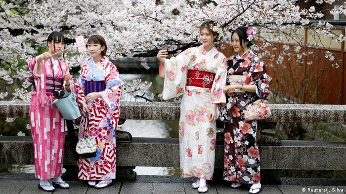 Japan - Kirschblütenfest Hanami 2017 (Reuters/J. Silva)