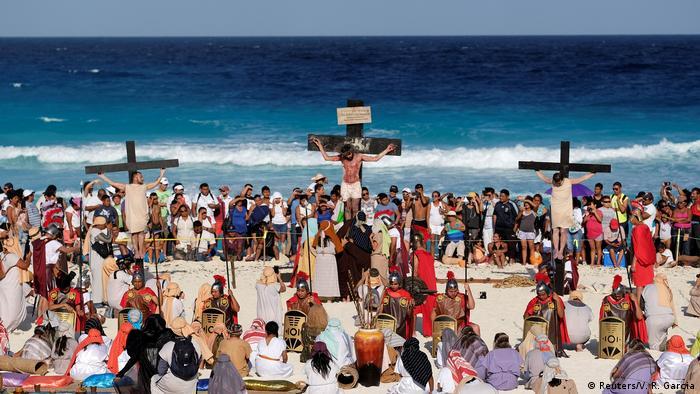 Mexiko Nachspielen der Kreuzigungsszene (Reuters/V. R. Garcia)