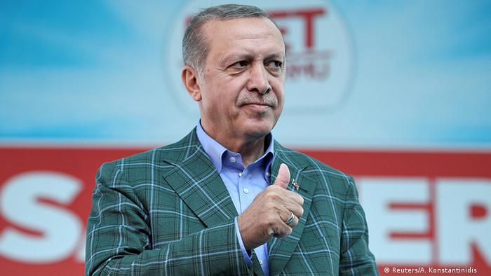 Президент Туреччини Реджеп Таїп Ердоган уже допустив проведення наступного референдуму - про повернення смертної кари
