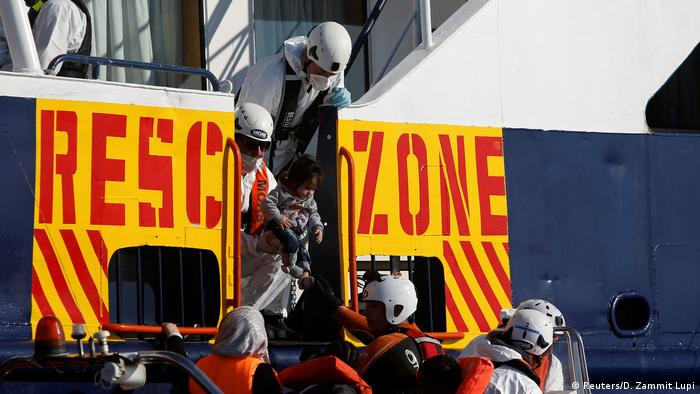 Mittelmeer Küste Libyen Rettungsaktion Flüchtlinge