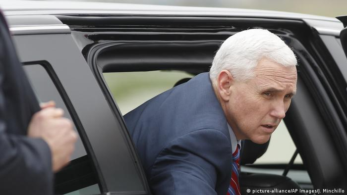 US Vizepräsident Mike Pence (picture-alliance/AP Images/J. Minchillo)