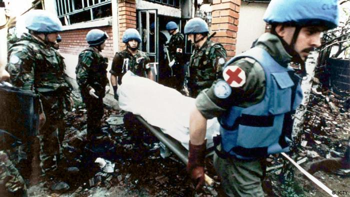 Snage UN-a skupljaju tijela ubijenih u masakru u Ahmićima