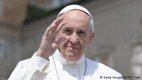 Vatikan Papst Franziskus Ostermesse auf dem Petersplatz (Getty Images/AFP/T. Fabi)