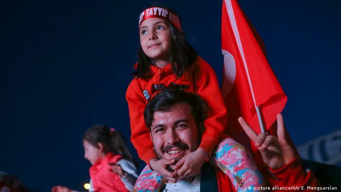Türkei Regierung erklärt Sieg bei Referendum