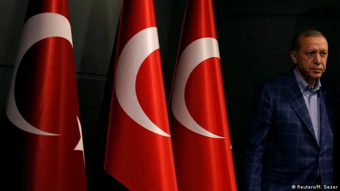 Реджеп Таїп Ердоган у Стамбулі під час реферндуму, 2017 рік