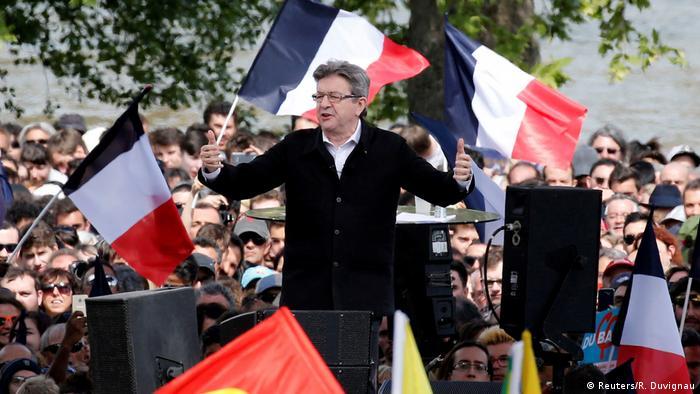 Frankreich | Präsidendschaftskandidat Jean-Luc Melenchon in Toulouse (Reuters/R. Duvignau)
