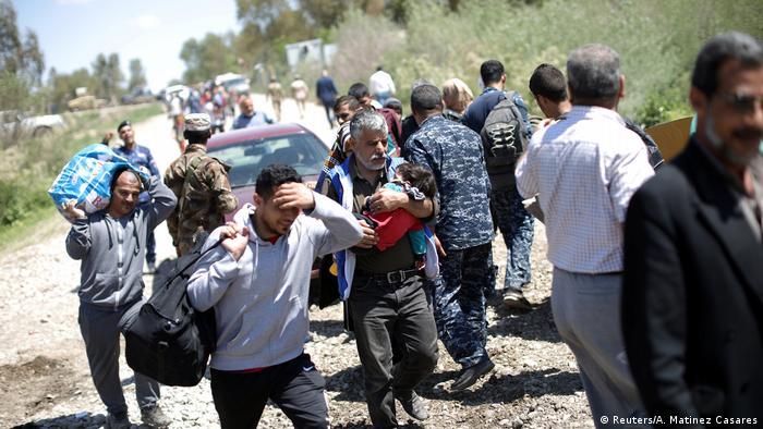 Irak UNO: Fast eine halbe Million Zivilisten vor Militäroffensive auf Mossul geflohen (Reuters/A. Matinez Casares)