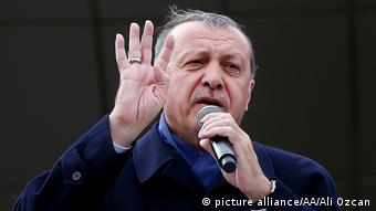 Türkei Regierung weist Wahlbeobachterkritik zurück (picture alliance/AA/Ali Ozcan)