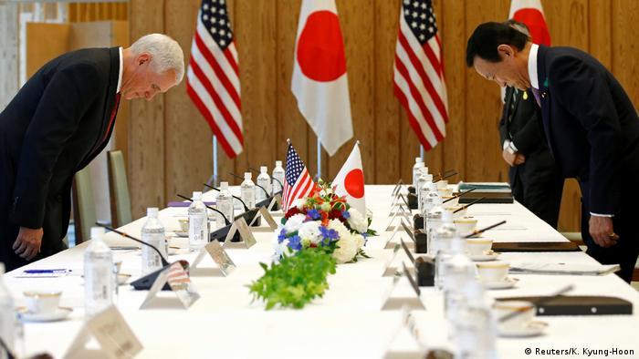 Pence se reúne también con el viceprimer ministro y titular de Finanzas nipón, Taro Aso.