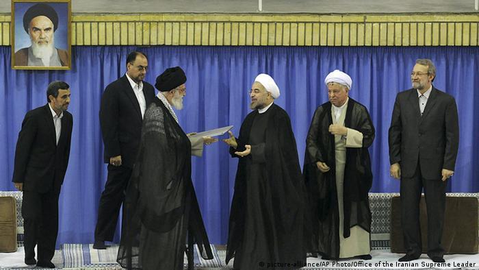 Iran Vereidigung von Hassan Rohani in Teheran (picture-alliance/AP Photo/Office of the Iranian Supreme Leader)