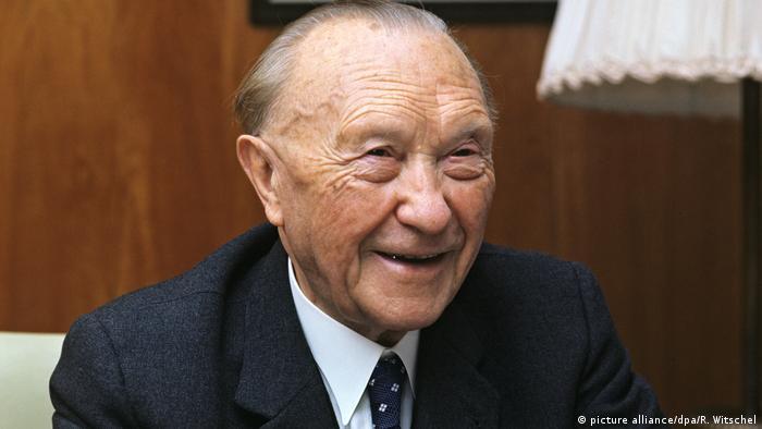 Deutschland Altbundeskanzler Konrad Adenauer (picture alliance/dpa/R. Witschel)
