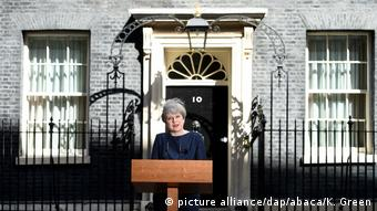 England Theresa May kündigt Neuwahlen an (picture alliance/dap/abaca/K. Green)