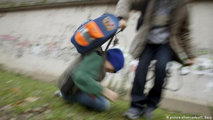PISA Schüler Mobbing (picture-alliance/dpa/O. Berg)