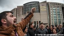 Türkei Protest gegen Referendum in Istanbul | Caglayan Gericht, Übergabe Petition